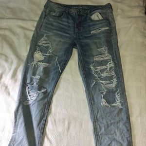 Women's American Eagles cropped ripped jeans